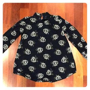 LOFT outlet floral blouse size XS